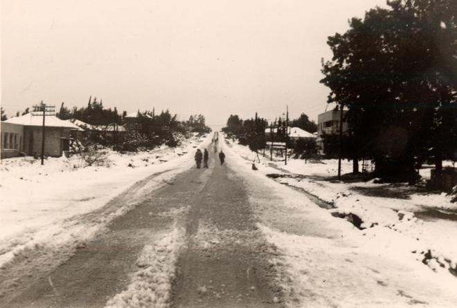 תוצאת תמונה עבור שלג 1950